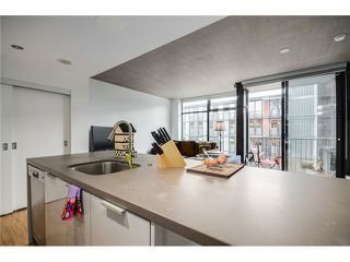 """Photo 5: 702 128 W CORDOVA Street in Vancouver: Downtown VW Condo for sale in """"Woodwards"""" (Vancouver West)  : MLS®# V1066426"""