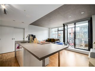 "Photo 3: 702 128 W CORDOVA Street in Vancouver: Downtown VW Condo for sale in ""Woodwards"" (Vancouver West)  : MLS®# V1066426"