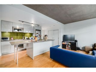 "Photo 10: 702 128 W CORDOVA Street in Vancouver: Downtown VW Condo for sale in ""Woodwards"" (Vancouver West)  : MLS®# V1066426"