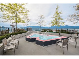 """Photo 17: 702 128 W CORDOVA Street in Vancouver: Downtown VW Condo for sale in """"Woodwards"""" (Vancouver West)  : MLS®# V1066426"""