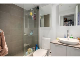 """Photo 12: 702 128 W CORDOVA Street in Vancouver: Downtown VW Condo for sale in """"Woodwards"""" (Vancouver West)  : MLS®# V1066426"""