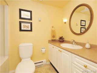 Photo 17: 305 1157 Fairfield Rd in VICTORIA: Vi Fairfield West Condo for sale (Victoria)  : MLS®# 684226