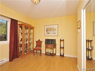 Photo 16: 305 1157 Fairfield Rd in VICTORIA: Vi Fairfield West Condo for sale (Victoria)  : MLS®# 684226