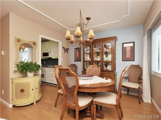 Photo 9: 305 1157 Fairfield Rd in VICTORIA: Vi Fairfield West Condo for sale (Victoria)  : MLS®# 684226