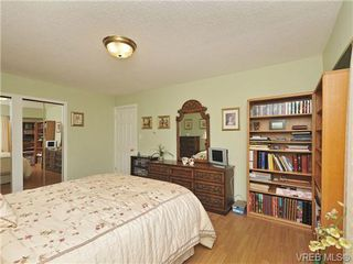 Photo 13: 305 1157 Fairfield Rd in VICTORIA: Vi Fairfield West Condo for sale (Victoria)  : MLS®# 684226