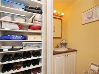 Photo 14: 305 1157 Fairfield Rd in VICTORIA: Vi Fairfield West Condo for sale (Victoria)  : MLS®# 684226