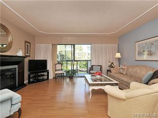 Photo 6: 305 1157 Fairfield Rd in VICTORIA: Vi Fairfield West Condo for sale (Victoria)  : MLS®# 684226