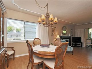 Photo 8: 305 1157 Fairfield Rd in VICTORIA: Vi Fairfield West Condo for sale (Victoria)  : MLS®# 684226