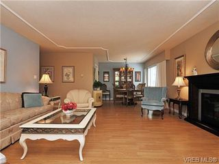 Photo 5: 305 1157 Fairfield Rd in VICTORIA: Vi Fairfield West Condo for sale (Victoria)  : MLS®# 684226