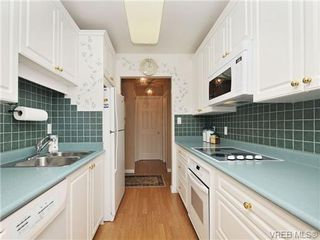 Photo 10: 305 1157 Fairfield Rd in VICTORIA: Vi Fairfield West Condo for sale (Victoria)  : MLS®# 684226