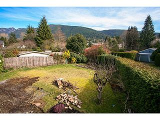 Photo 6: 4378 CHEVIOT Road in North Vancouver: Forest Hills NV House for sale : MLS®# V1111023