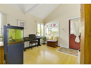 "Photo 4: 771 E 31ST Avenue in Vancouver: Fraser VE House for sale in ""FRASER"" (Vancouver East)  : MLS®# V1120392"
