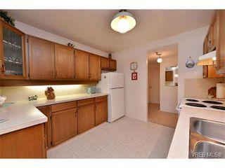 Photo 5: 105 1110 Oscar St in VICTORIA: Vi Fairfield West Condo Apartment for sale (Victoria)  : MLS®# 719434