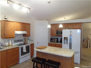 Photo 8: 67 Battersea Close in Winnipeg: St Vital Residential for sale (South East Winnipeg)  : MLS®# 1604224