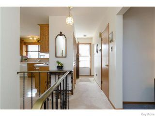 Photo 3: 218 Whitegates Crescent in Winnipeg: Westwood / Crestview Residential for sale (West Winnipeg)  : MLS®# 1605773
