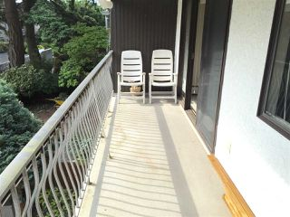 """Photo 7: 204 1330 MARTIN Street: White Rock Condo for sale in """"THE COACH HOUSE"""" (South Surrey White Rock)  : MLS®# R2067550"""