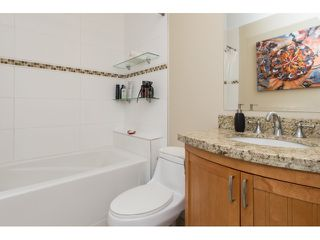 "Photo 15: PH5 15357 ROPER Avenue: White Rock Condo for sale in ""REGENCY COURT"" (South Surrey White Rock)  : MLS®# R2068178"