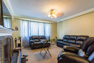 Photo 3: 20894 DEWDNEY TRUNK Road in Maple Ridge: Southwest Maple Ridge House 1/2 Duplex for sale : MLS®# R2098215