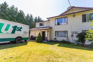 Photo 1: 20894 DEWDNEY TRUNK Road in Maple Ridge: Southwest Maple Ridge House 1/2 Duplex for sale : MLS®# R2098215