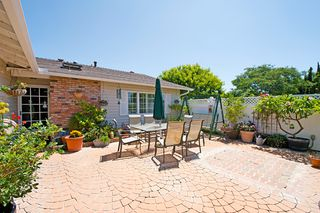 Photo 2: UNIVERSITY CITY House for sale : 3 bedrooms : 7405 BOVET WAY in San Diego