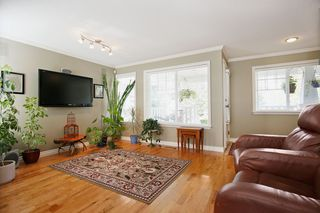 Photo 3: 4302 PIONEER Court in Abbotsford: Abbotsford East House for sale : MLS®# R2105199