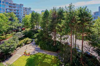 """Photo 18: 607 518 MOBERLY Road in Vancouver: False Creek Condo for sale in """"Newport Quay"""" (Vancouver West)  : MLS®# R2106407"""