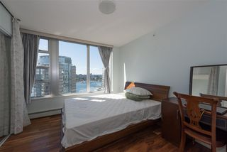 Photo 10: 2003 1228 MARINASIDE Crescent in Vancouver: Yaletown Condo for sale (Vancouver West)  : MLS®# R2110085