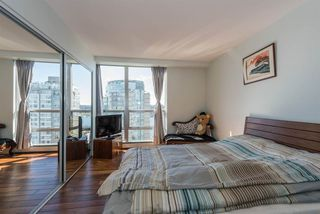 Photo 18: 2003 1228 MARINASIDE Crescent in Vancouver: Yaletown Condo for sale (Vancouver West)  : MLS®# R2110085