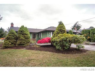 Photo 1: 1907 Cultra Avenue in SAANICHTON: CS Saanichton Single Family Detached for sale (Central Saanich)  : MLS®# 371379
