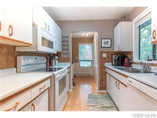 Photo 9: 1907 Cultra Avenue in SAANICHTON: CS Saanichton Single Family Detached for sale (Central Saanich)  : MLS®# 371379