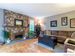 Photo 5: 1907 Cultra Avenue in SAANICHTON: CS Saanichton Single Family Detached for sale (Central Saanich)  : MLS®# 371379