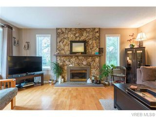 Photo 6: 1907 Cultra Avenue in SAANICHTON: CS Saanichton Single Family Detached for sale (Central Saanich)  : MLS®# 371379