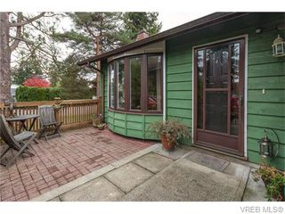 Photo 2: 1907 Cultra Avenue in SAANICHTON: CS Saanichton Single Family Detached for sale (Central Saanich)  : MLS®# 371379