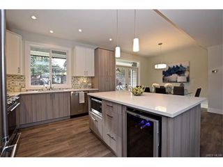 Photo 5: 819 Ashbury Ave in VICTORIA: La Olympic View House for sale (Langford)  : MLS®# 746742