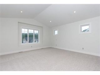 Photo 10: 819 Ashbury Ave in VICTORIA: La Olympic View House for sale (Langford)  : MLS®# 746742