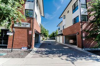 "Photo 1: 160 1132 EWEN Avenue in New Westminster: Queensborough Townhouse for sale in ""GLADSTONE PARK"" : MLS®# R2133362"