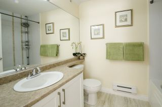 """Photo 17: 35 20159 68 Avenue in Langley: Willoughby Heights Townhouse for sale in """"VANTAGE"""" : MLS®# R2176637"""