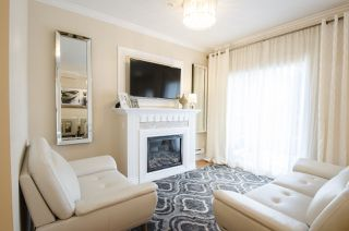 """Photo 3: 35 20159 68 Avenue in Langley: Willoughby Heights Townhouse for sale in """"VANTAGE"""" : MLS®# R2176637"""