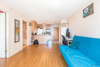 "Photo 2: 2308 928 HOMER Street in Vancouver: Yaletown Condo for sale in ""YALETOWN PARK"" (Vancouver West)  : MLS®# R2181999"
