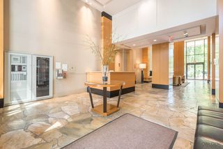 "Photo 17: 2308 928 HOMER Street in Vancouver: Yaletown Condo for sale in ""YALETOWN PARK"" (Vancouver West)  : MLS®# R2181999"