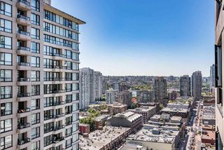 "Photo 9: 2308 928 HOMER Street in Vancouver: Yaletown Condo for sale in ""YALETOWN PARK"" (Vancouver West)  : MLS®# R2181999"
