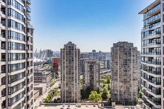 "Photo 10: 2308 928 HOMER Street in Vancouver: Yaletown Condo for sale in ""YALETOWN PARK"" (Vancouver West)  : MLS®# R2181999"