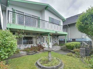 Photo 2: 1928 VENABLES STREET in Vancouver: Grandview VE House for sale (Vancouver East)  : MLS®# R2180121