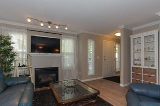 "Photo 2: 122 1702 56 Street in Delta: Beach Grove Townhouse for sale in ""THE PILLARS"" (Tsawwassen)  : MLS®# R2200257"