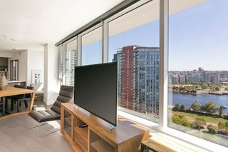 Photo 6: 1809 68 SMITHE STREET in Vancouver: Downtown VW Condo for sale (Vancouver West)  : MLS®# R2201355