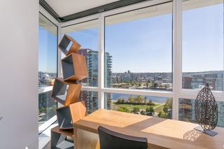 Photo 5: 1809 68 SMITHE STREET in Vancouver: Downtown VW Condo for sale (Vancouver West)  : MLS®# R2201355