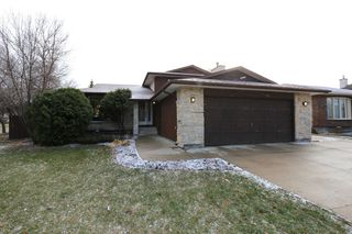 Main Photo: 2 Hazel Park Drive in Winnipeg: Richmond West Single Family Detached for sale (1S)  : MLS®# 1728254