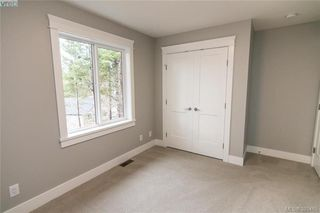 Photo 15: 1110 Braelyn Pl in VICTORIA: La Olympic View House for sale (Langford)  : MLS®# 774561