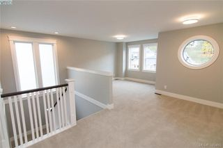 Photo 10: 1110 Braelyn Pl in VICTORIA: La Olympic View House for sale (Langford)  : MLS®# 774561