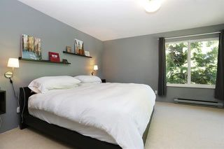 Photo 11: 300 E 25th Street in North Vancouver: Upper Lonsdale House for sale : MLS®# R2210257
